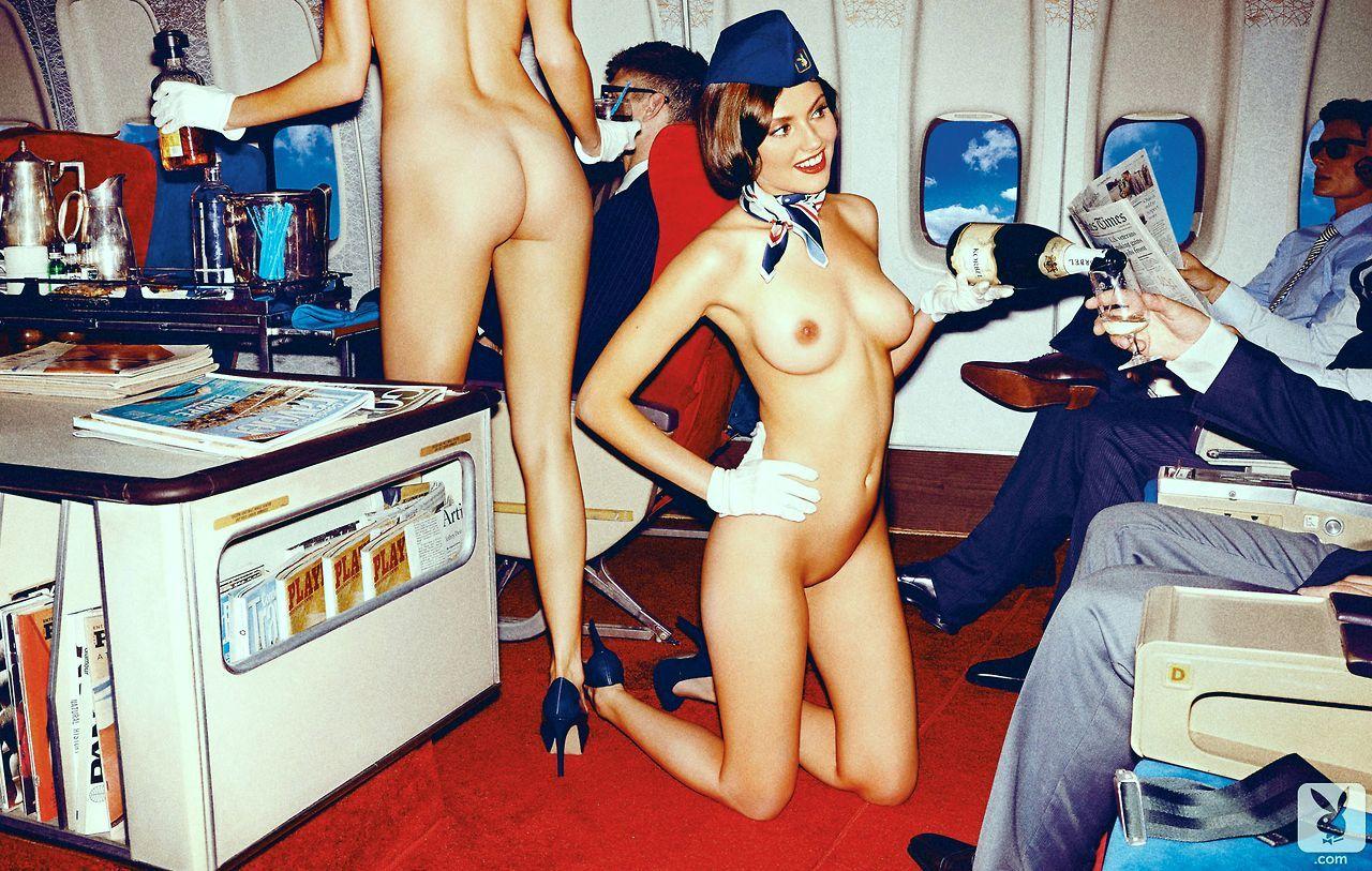 golie-domrabotnitsi-i-styuardessi-foto